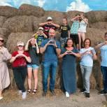 Дмитровские партийцы организовали экскурсию для детей, попавших в трудную жизненную ситуацию, на ферму «Братья Чебурашкины»