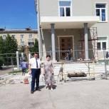 Андрей Голубев проверил ход капремонта дворца культуры в Ступине