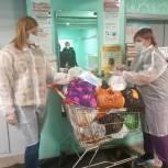 Волонтеры  продолжают оказывать помощь Мурманской областной больнице