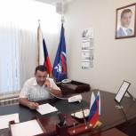 Депутат Хиби Алиев провел дистанционный прием граждан в Приемной «Единой России»