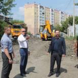 Депутаты «Единой России» контролируют работы по благоустройству Советского района