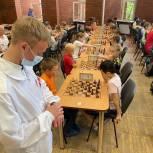 Молодогвардейцы Екатеринбурга провели шахматный турнир на 100 человек