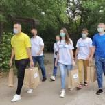 Активисты единого волонтерского штаба передали корм для бездомных животных в Туле и Якутске