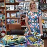Книги и настольные игры получила Калтайская сельская библиотека