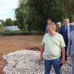 В Пугачеве продолжается строительство ФОК открытого типа