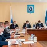 Депутаты-единороссы рассмотрели реализацию партийного проекта «Школа грамотного потребителя» на Ямале