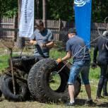 Активисты «Единой России» очищают от мусора берега рек и водоемов по всей стране