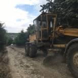 Мухтарпаша Умаханов  оказал содействие в благоустройстве  внутрисельских  дорог в Казбековском районе