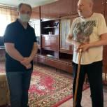 Депутат вместе с социальным работником оказал помощь саратовцу с ограниченными возможностями здоровья