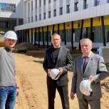 Единороссы Солнечногорска держат на контроле ход строительства школы в Рекинцо – 2