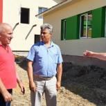 Сергей Харьков осмотрел строительство детского сада в Алгае