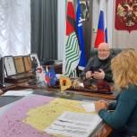 Владимир Семенов провел прием граждан в Нефтеюганске