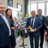 Депутаты «Единой России» присоединились к благотворительной акции «Дерево Добра»