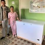 Депутат помог больнице приобрести оборудование для хранения вакцины