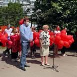 В Химках партийцы поздравили медработников