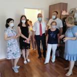 Депутаты и члены Общественного совета при Законодательном Собрании посетили реабилитационный центр в Кичкилейке