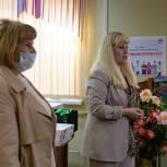 Колымские единороссы поздравили с Днем медицинского работника коллектив Магаданской областной больницы