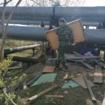 Лабытнангские единороссы навели порядок на улице Овражной