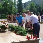 В Заречном прошли акции «День памяти и скорби» и «Зажги свечу памяти»