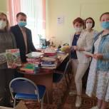 Волонтеры отвезли подарки воспитанникам детского дома