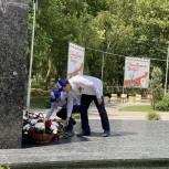 Активисты «Единой России» присоединились к Всероссийской акции «Минута молчания» в память о погибших в годы войны