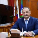 Сергей Меликов поздравил дагестанцев с Днем молодежи