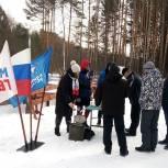 Молодогвардейцы организовали полевую кухню на лыжных гонках в Кадоме