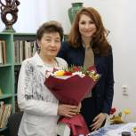 Депутаты-единороссы поздравили ветерана педагогического труда