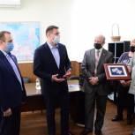 Евгений Аксаков посетил завод детского питания в городском округе Воскресенск