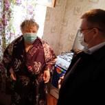 Юрий Баранчук помог тюменской пенсионерке с установкой новых батарей