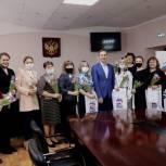Цветы, подарки, концерты, соревнования - активисты «Единой России» провели праздничные мероприятия для женщин в Нижегородской области