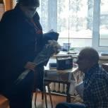 Партийные активисты поздравили Вичугского ветерана-долгожителя с юбилеем