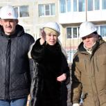 Виктория Голубева и Владимир Шибанов проверили строительство детского сада в Третьем микрорайоне Магадана