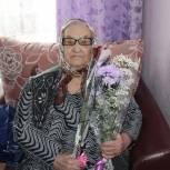 Единороссы поздравили с 8 Марта женщин-ветеранов