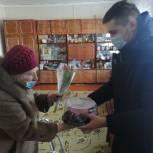 По поручению Валерия Лидина члены партии поздравили с юбилеем жительницу Железнодорожного района