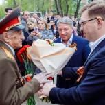 В Липецке единороссы поздравили с Днем Победы 100-летнего фронтовика