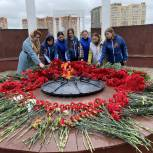 Щелковская «Единая Россия» приняла участие в возложении цветов к Вечному огню