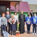 Луховицкие единороссы и молодежные активисты поздравили ветеранов с 76-й годовщиной Победы