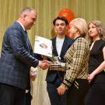 В Благовещенске «Единая Россия» в Международный день медицинских сестер вручила благодарности