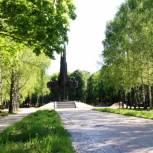 Депутаты-единороссы оценили ход и качество первого этапа благоустройства парка советско-польского братства по оружию