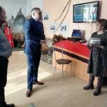 Партийцы поздравили хранителей истории Ямальского района с Международным днем музеев