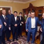 Хизри Шихсаидов поздравил Гаджи Инчилова с Днем Победы