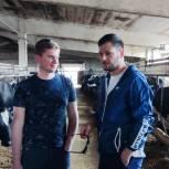 Щелковские единороссы посетили ферму «Мишнево»