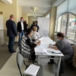 Александр Орлов проверил работу счетных участков в Талдомском округе