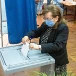 Глава города Ростова Зинаида Неярохина проголосовала на предварительном голосовании