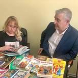 В Смоленске «Единая Россия» собрала книги для социальных и медицинских учреждений