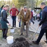 В Приморье высаживают деревья в память об участниках Великой Отечественной войны