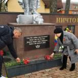 Депутаты Мособлдумы проверяют состояние мемориалов и памятников в преддверии Дня Победы