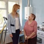 «Единая Россия» помогла отремонтировать квартиру ветерану Великой Отечественной войны из Воронежа