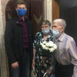 Старшее поколение: Борис Панин поздравил ветеранов своего округа.